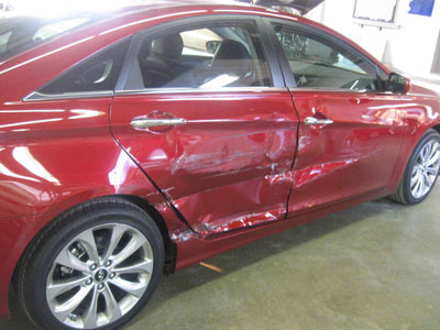 Red Hyundai Sonata Before Repair